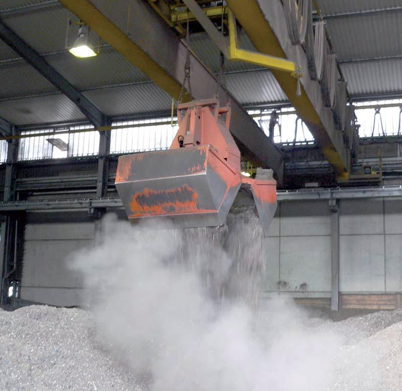 Кран мостовой автоматический для цементного цеха